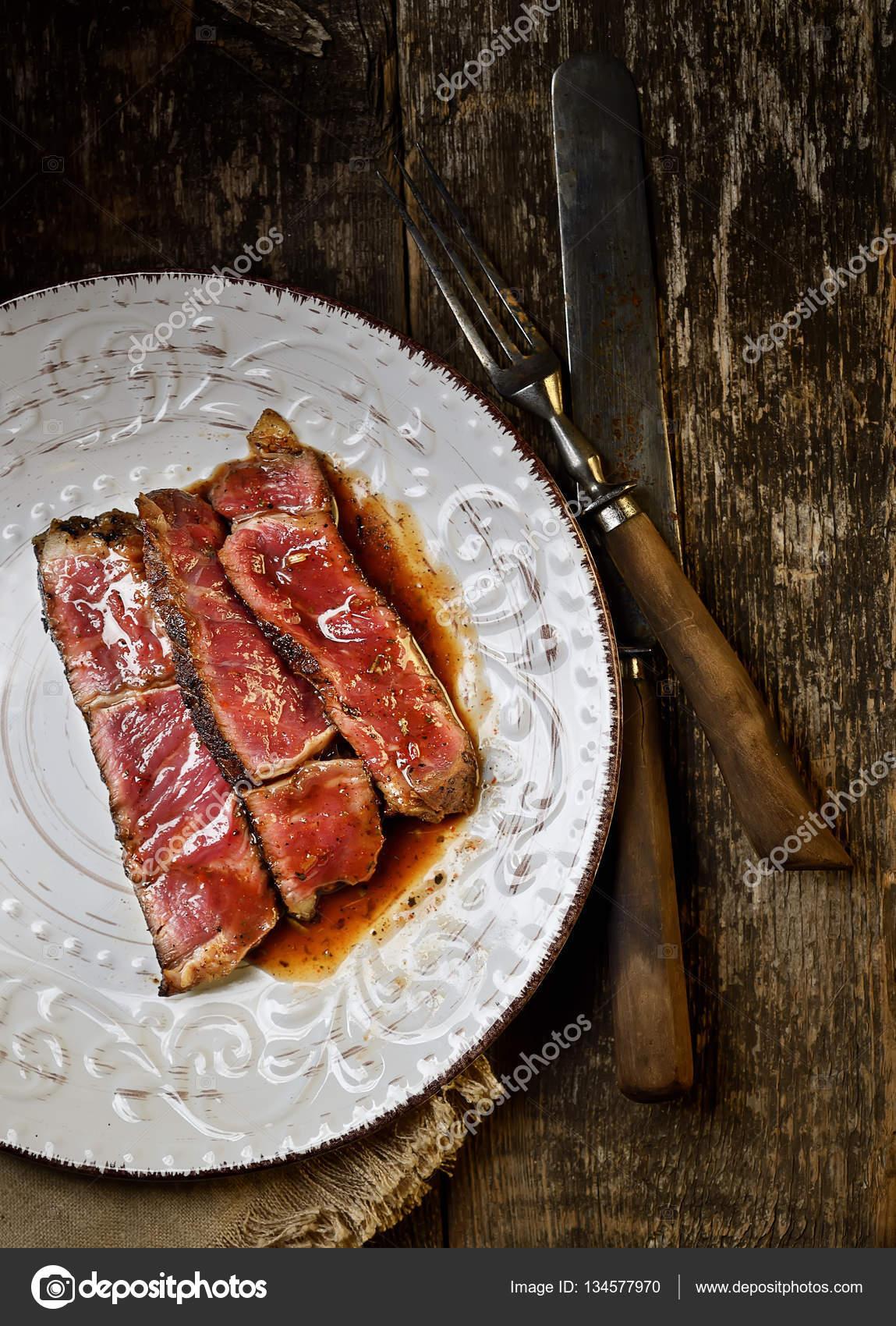 Az Pişmiş veya Çiğ Et