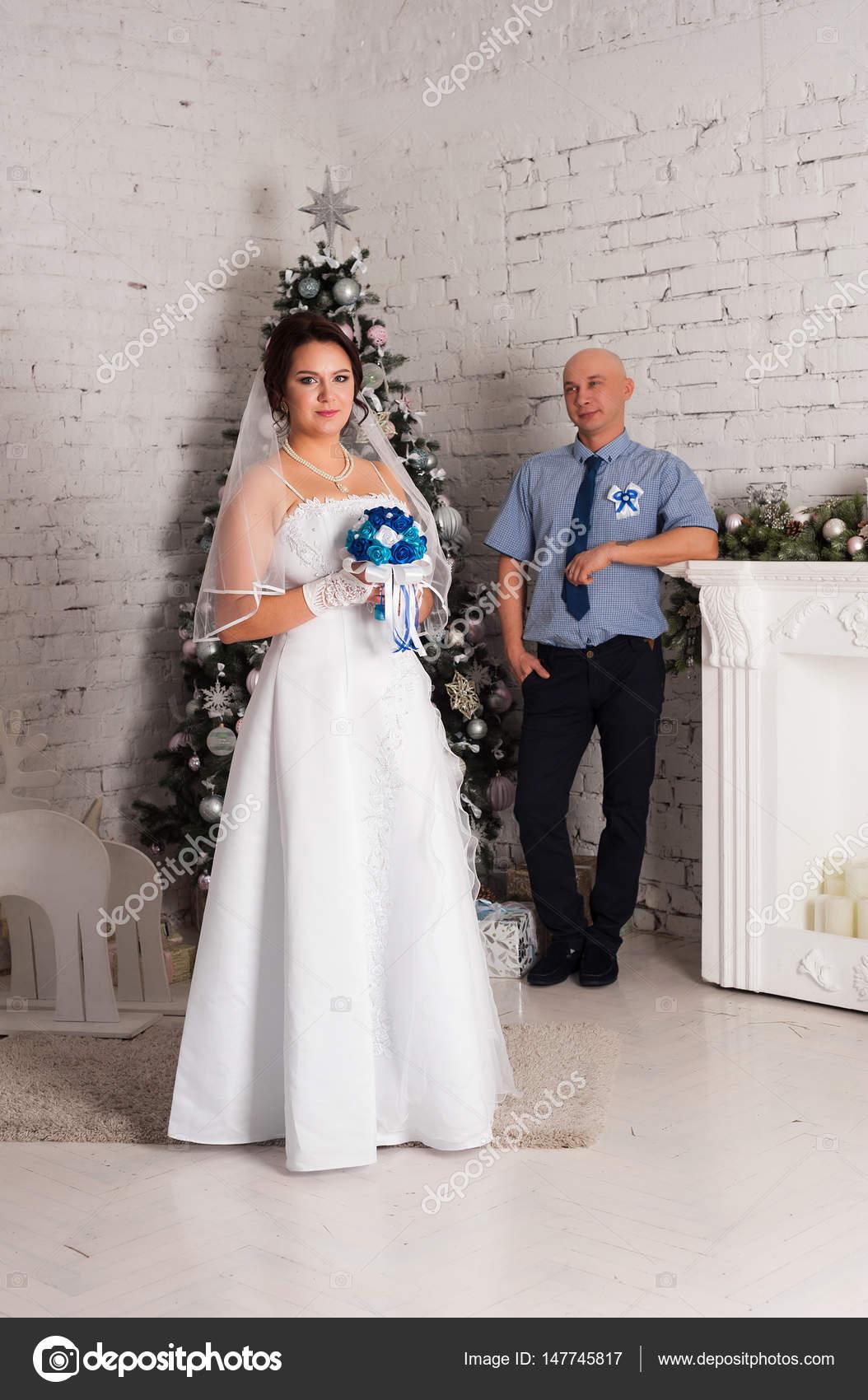 Imágenes Parejas Casandose En La Playa Joven Pareja Casándose Y