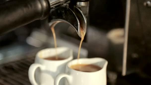 Wonderbaar Cameriere per fare il caffè doppio su una macchina da caffè WD-24