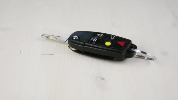Eliminazione di chiavi della macchina sul banco