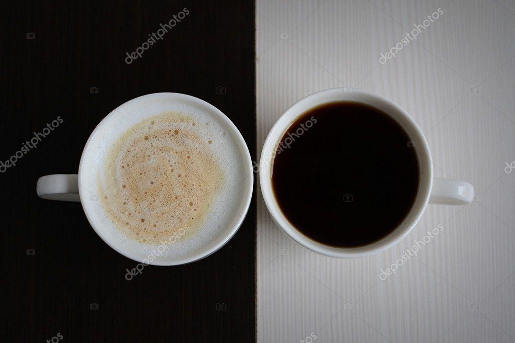 zwei tassen kaffee schwarz wei stockfoto milenie. Black Bedroom Furniture Sets. Home Design Ideas