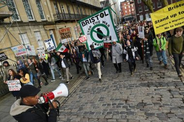 demonstrating against Muslim travel ban