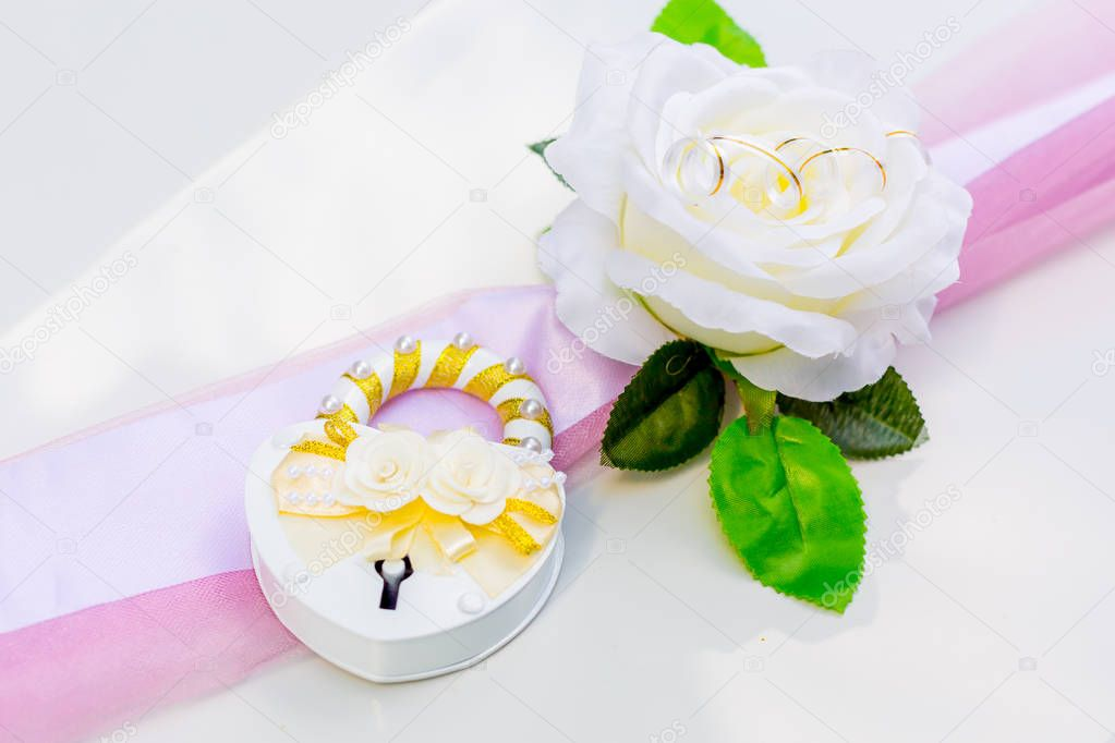 Wedding decoration on wedding car design flower
