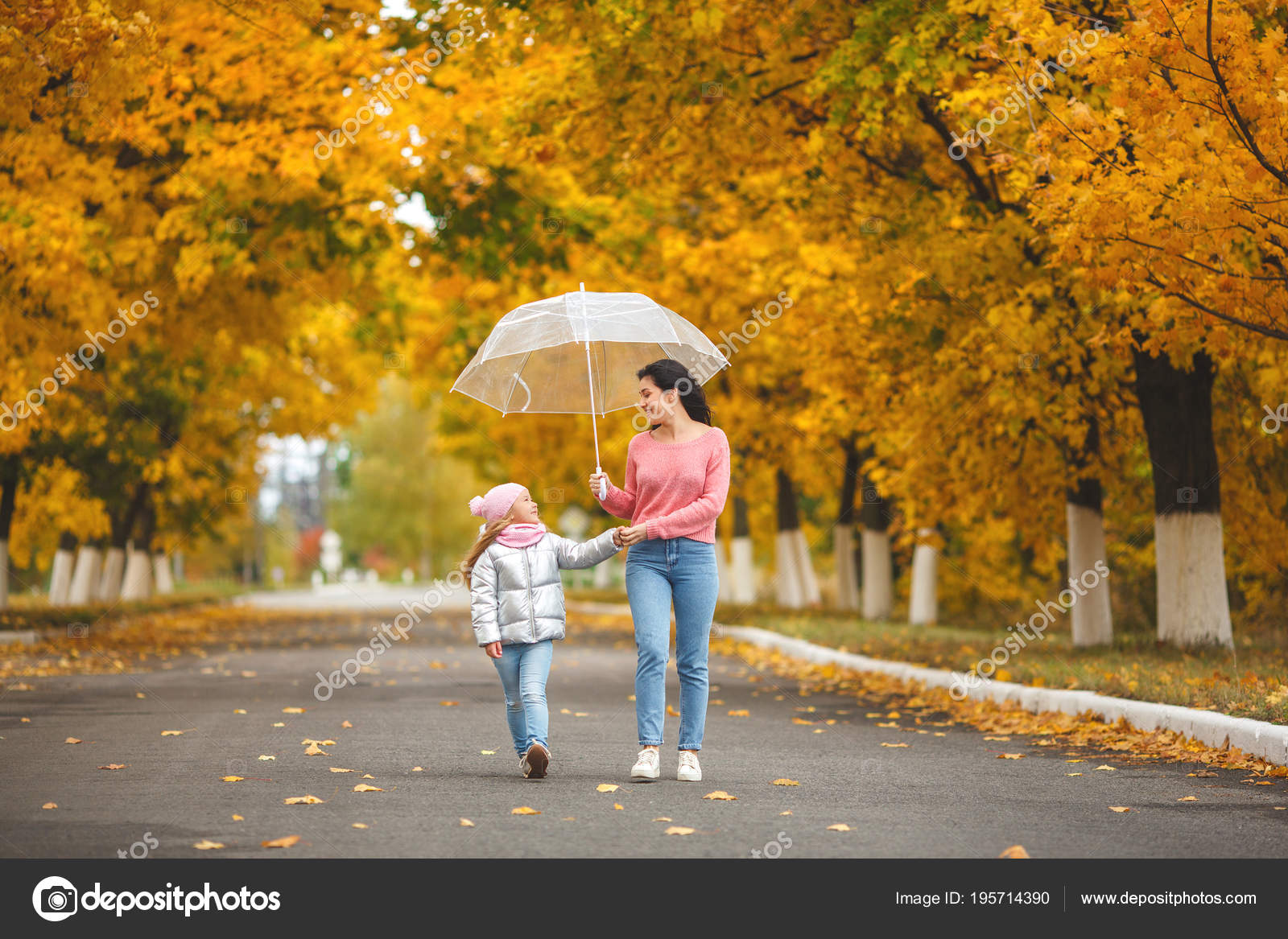 Young Pretty Mother Her Little Daughter Having Fun Fall