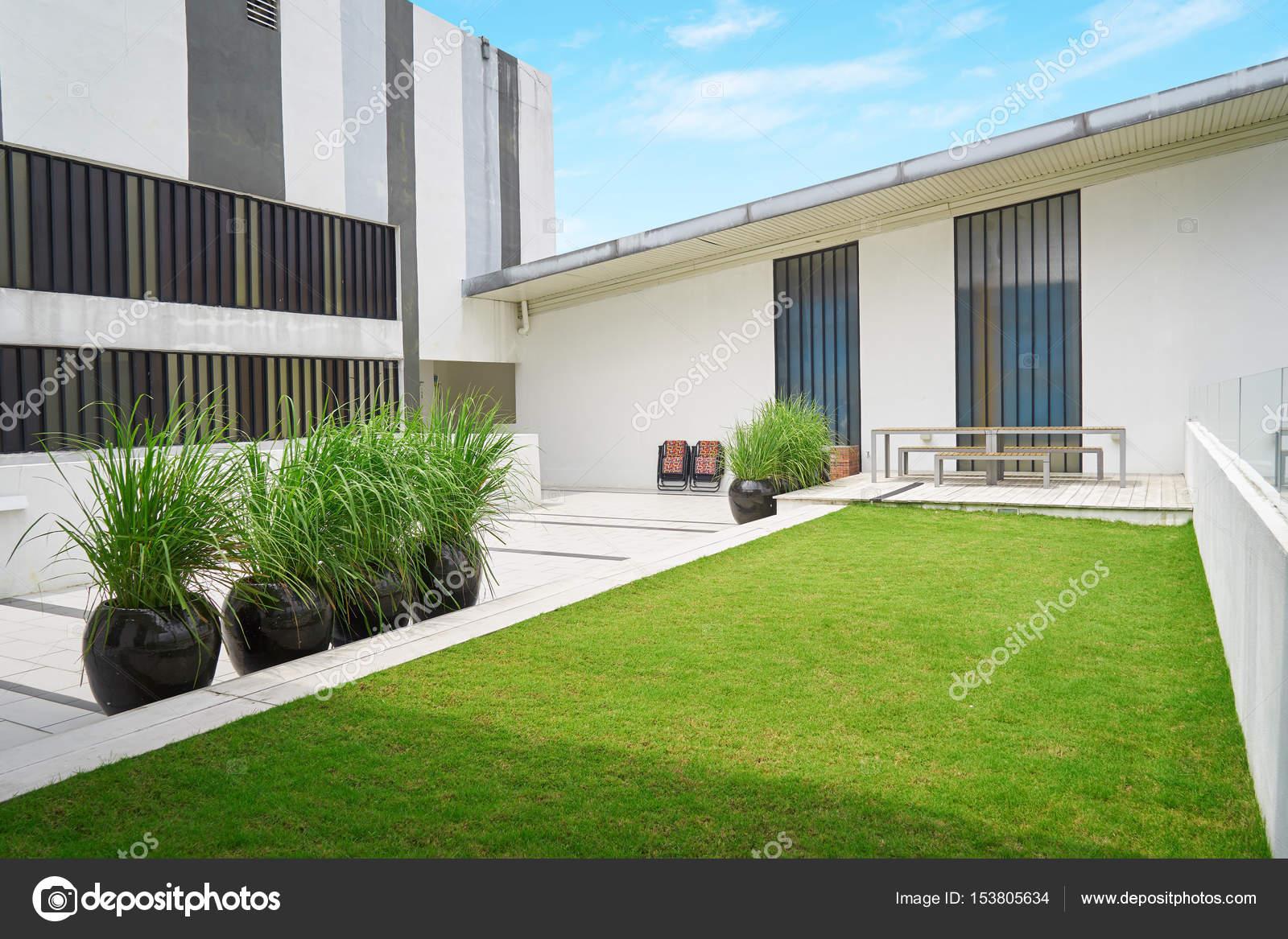 Moderne terras u stockfoto jamesteohart