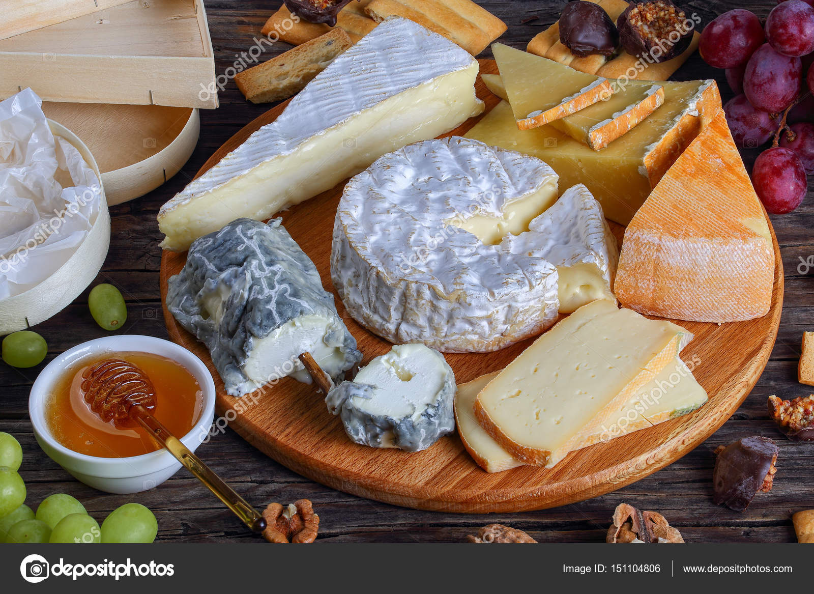 French Cheese plate served with grapes \u2014 Stock Photo & french Cheese plate served with grapes \u2014 Stock Photo © myviewpoint ...