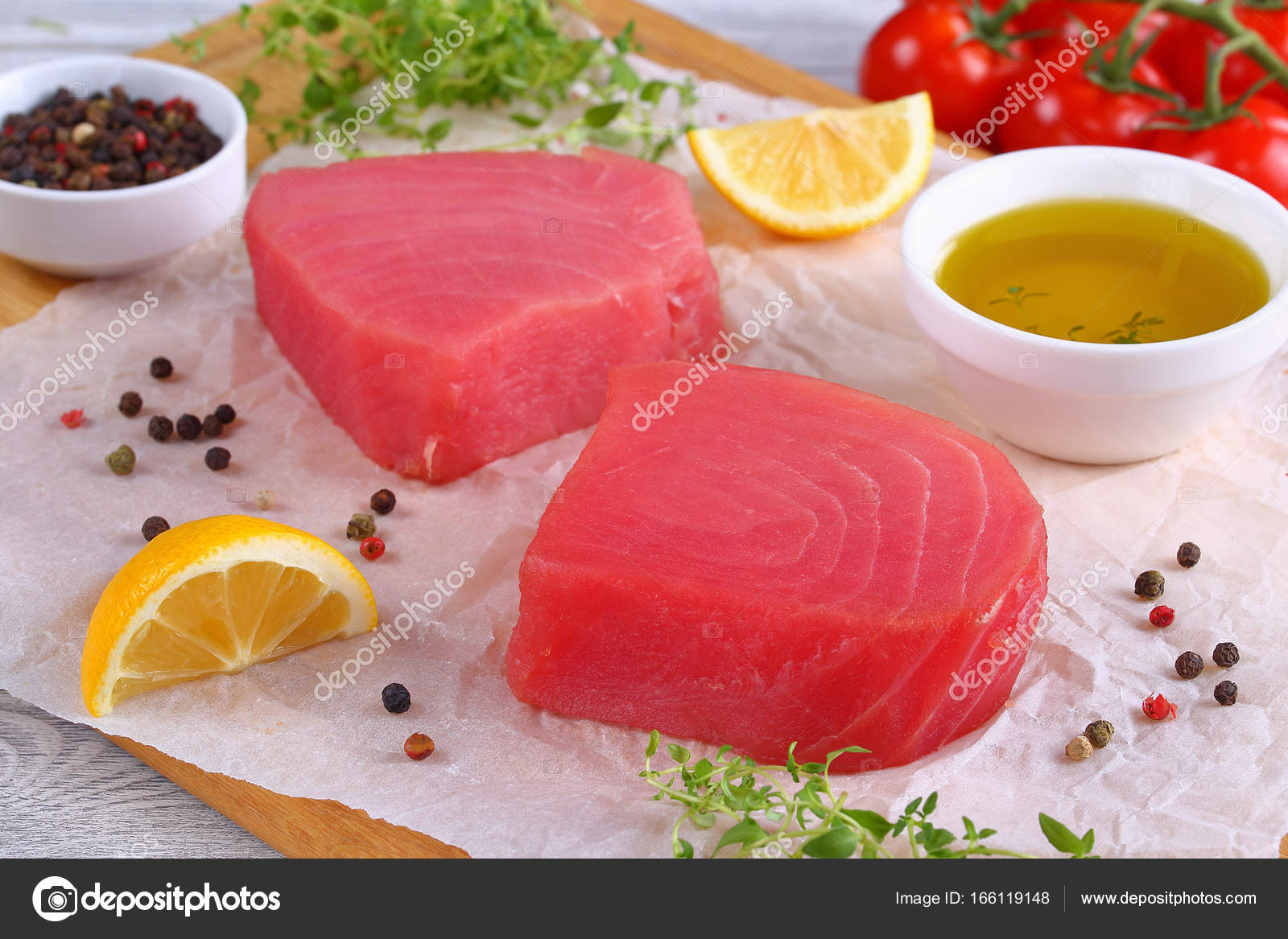 delicious Fresh raw tuna fish steaks — Stock Photo © myviewpoint ...