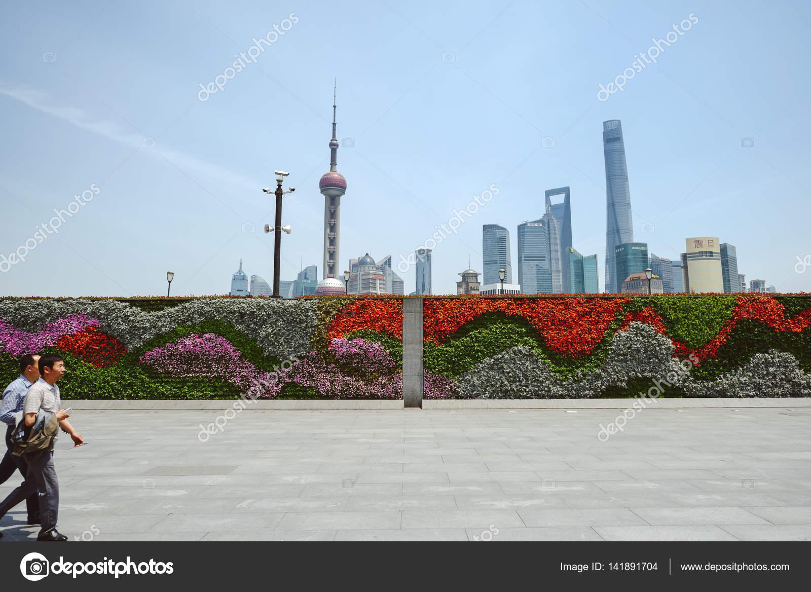 Shanghai skyline wallpaper | The Wall