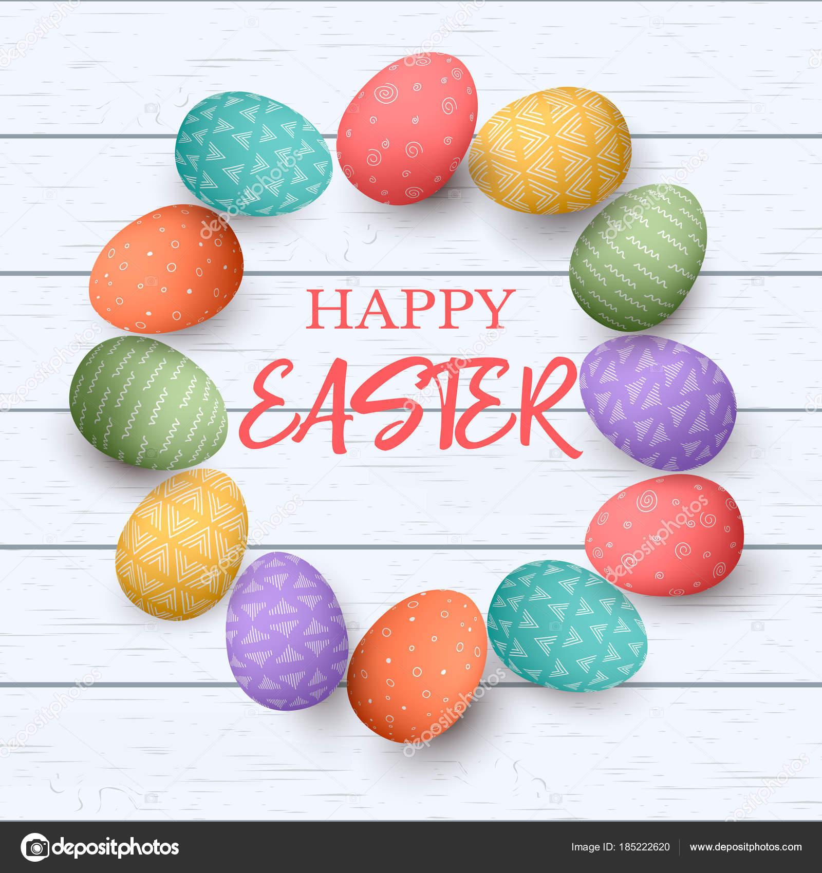 Coloridos huevos de Pascua con diferentes ornamentos simples en el ...