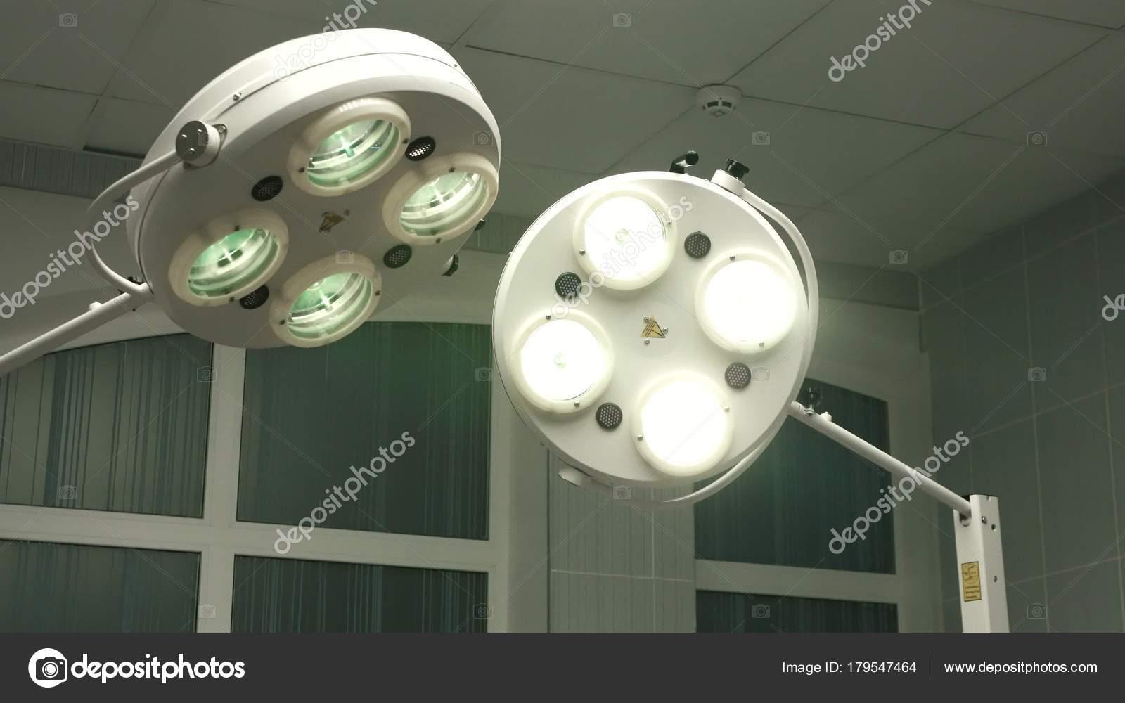 Mesh mezzanino per illuminazione di accesso rig nel teatro della