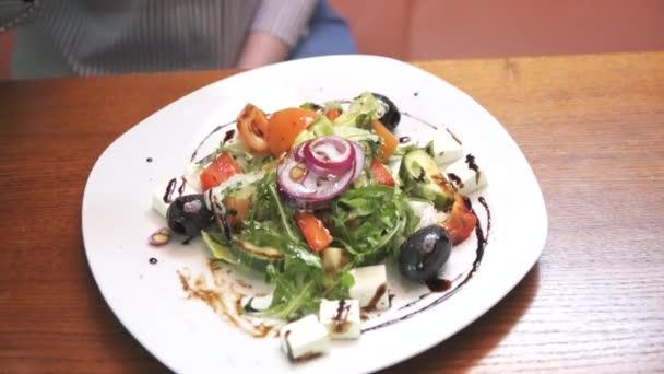 jíst detail Řecký salát