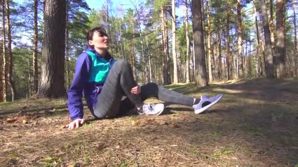 dívka zranění nohy na běh, trénink, strečink