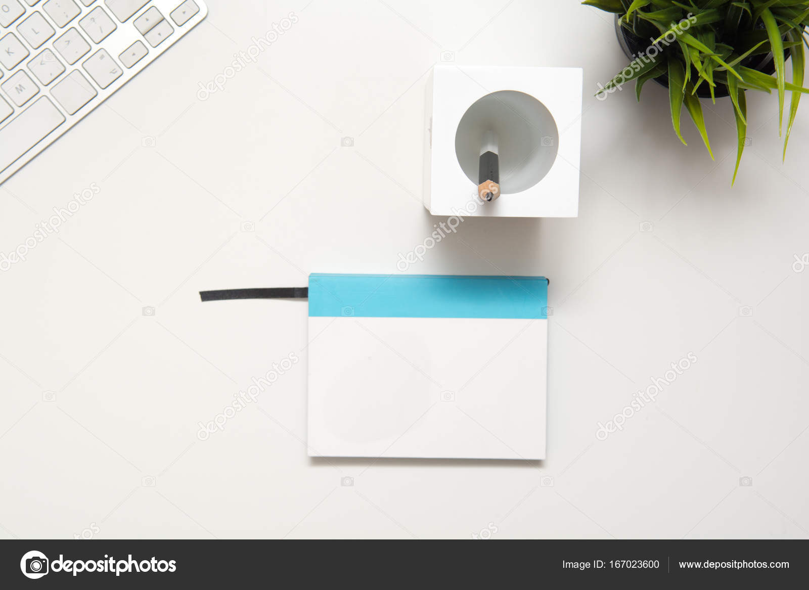 Scrivania Moderna Design : Scrivanie ufficio moderne di design linekit