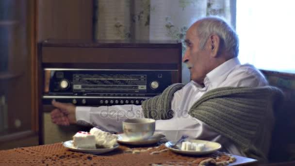 점심에 할아버지 설정 무선 전보 아늑한 거실 홈 빈티지 ...