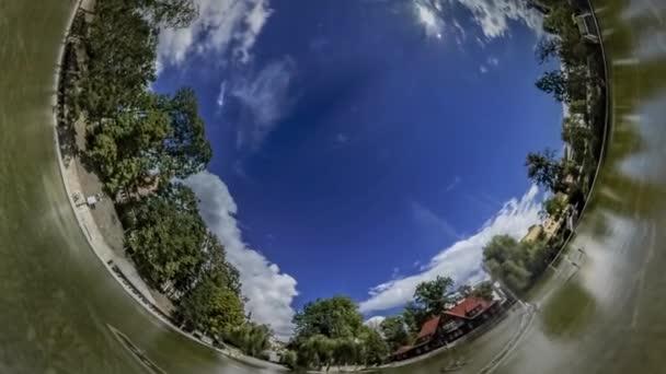 Rabbit Hole bolygó 360 fokos tánc szökőkút turisztikai látnivalók a régi város, Opole Park és a természet nap mint nap gyönyörű évszakban változnak, süt a nap