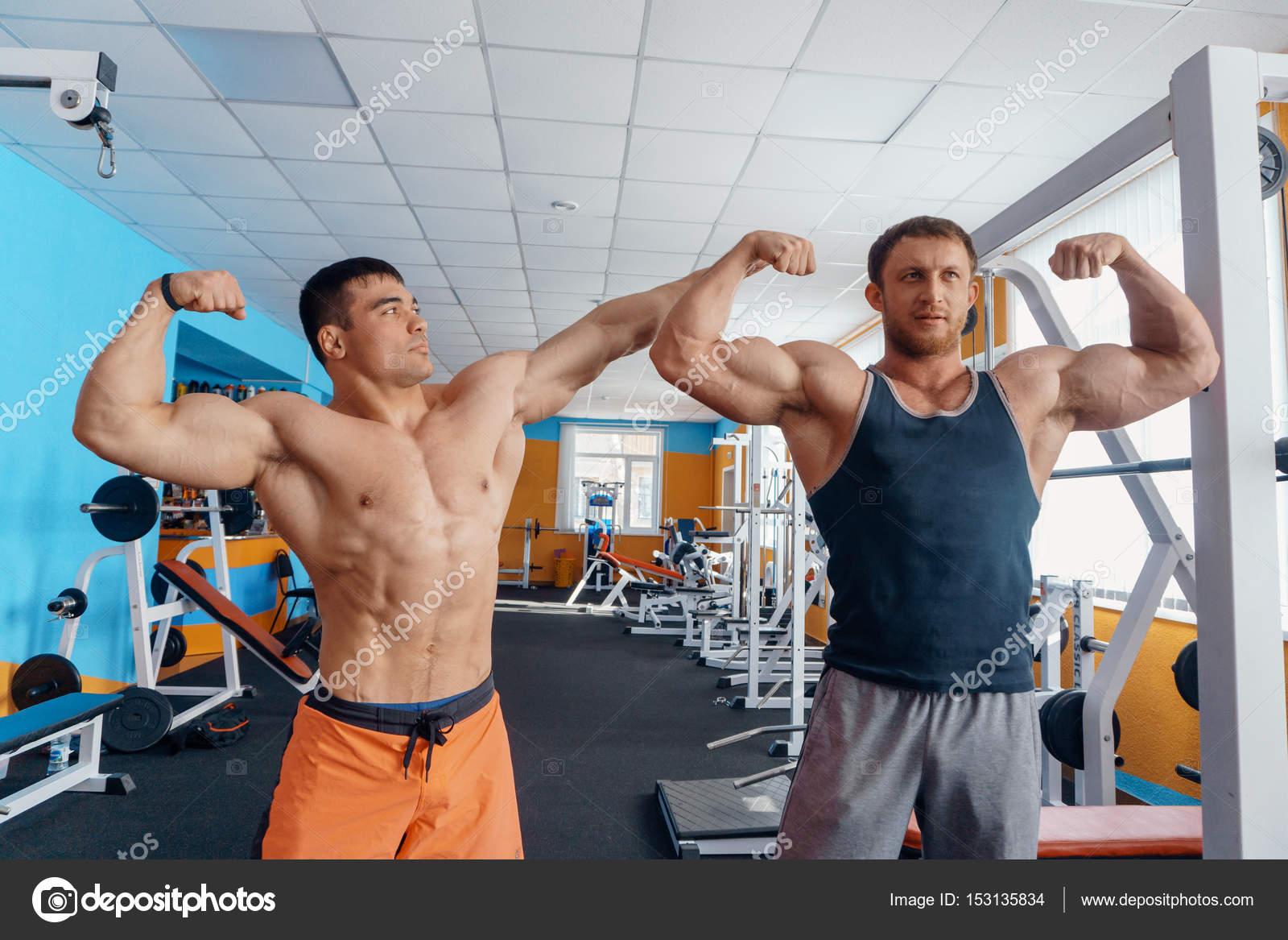 Bodybuilders Posing Nude 89