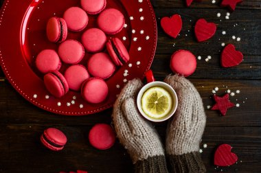 sweet red macarons
