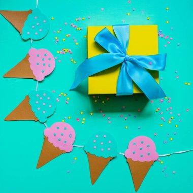 Gift box and garland