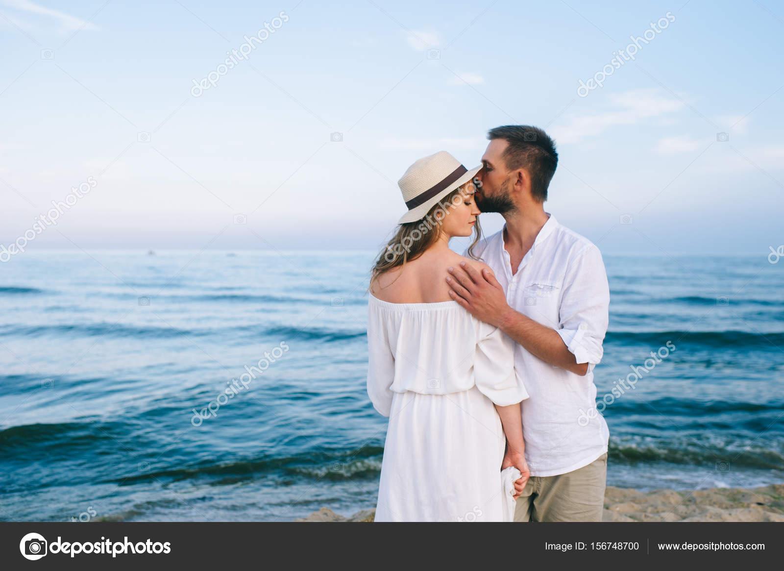 Fotos Pareja Enamorada Pareja De Enamorados En La Playa Foto De