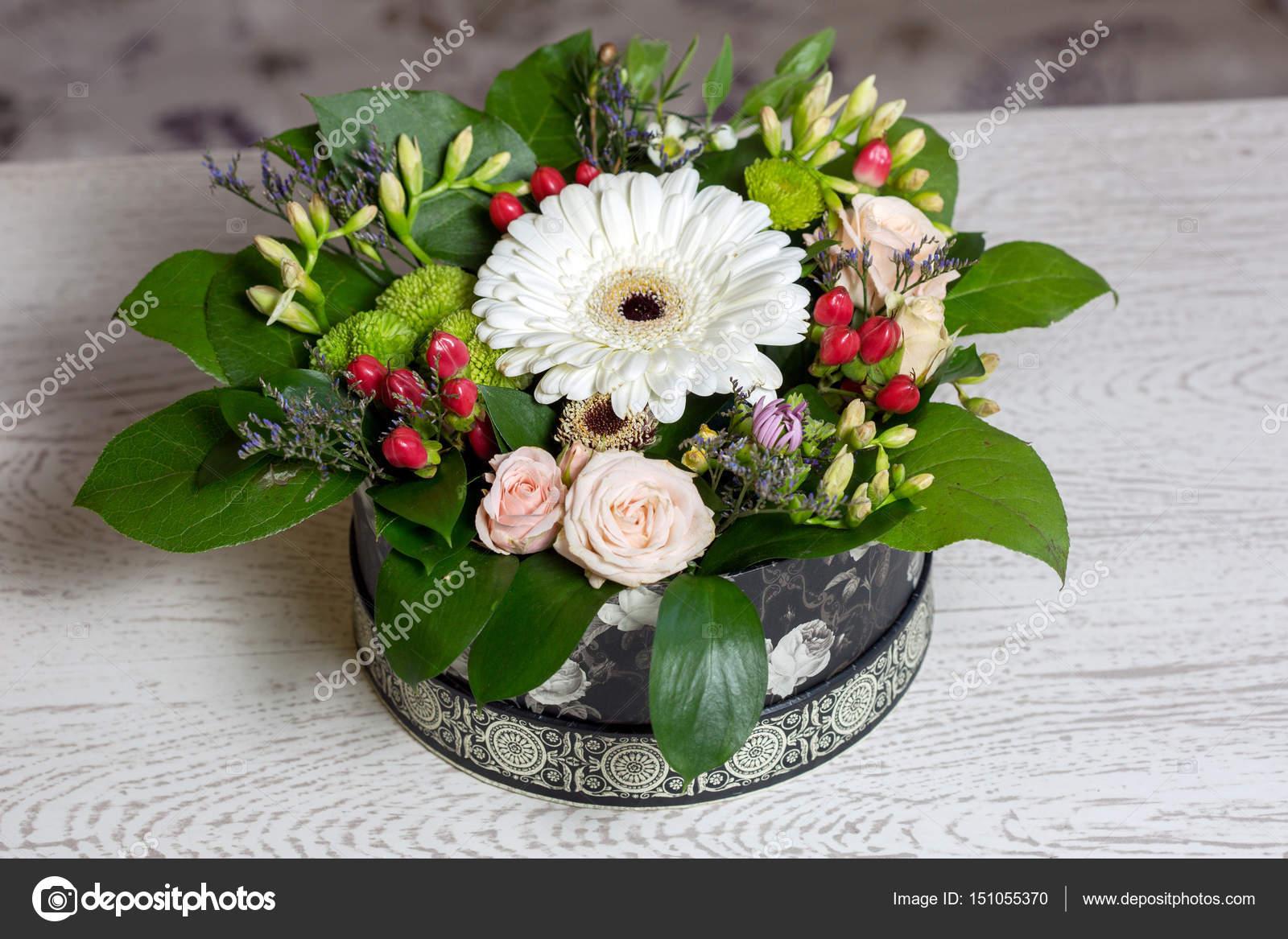 Bouquet De Fleurs Dans La Boite De Photographie Sichkarenko Com