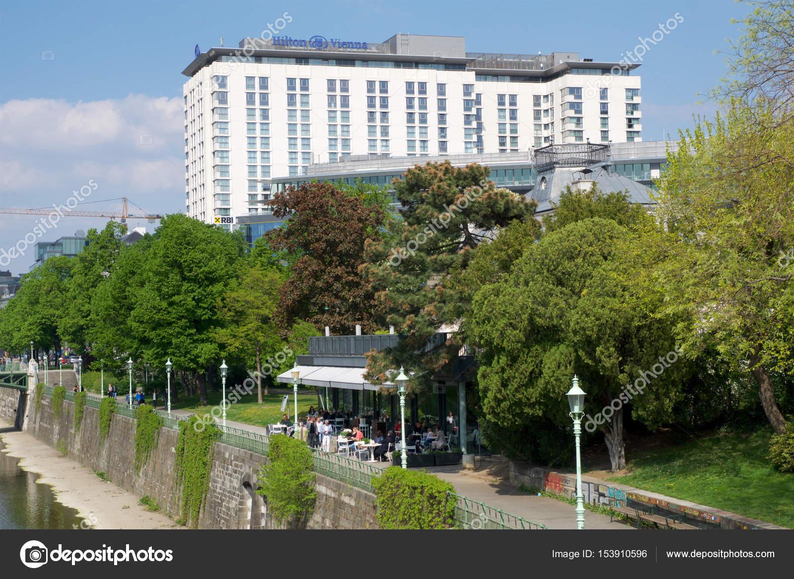 Wien Osterreich 30 April 2017 Aussen Blick Auf Das Hilton Wien