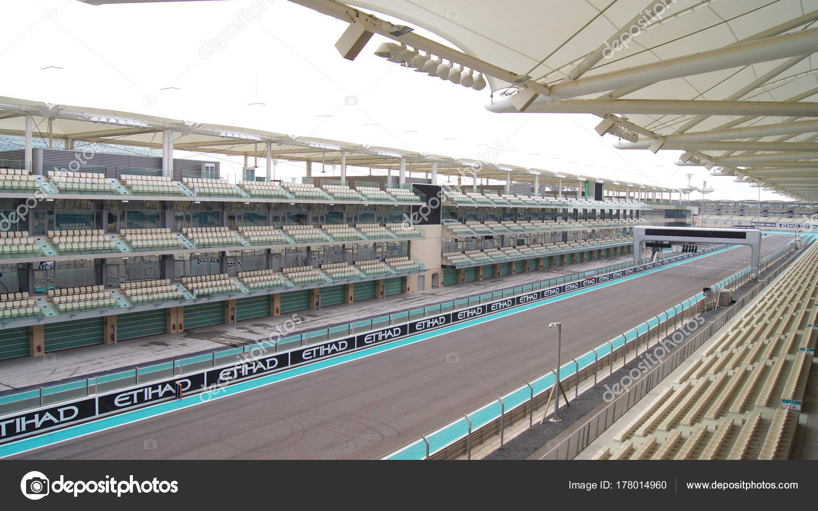 Circuito Yas Marina : Abu dhabi emiratos Árabes 04 de abril de 2014: el yas marina de