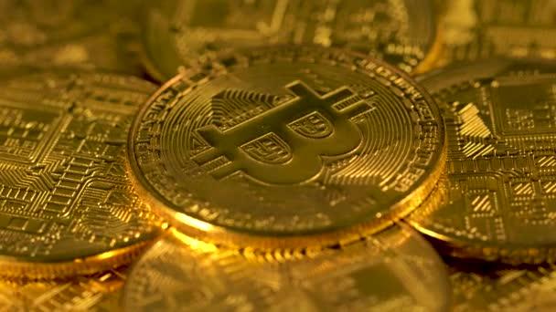 Halom bitcoins btc darab érme. Rotációs bitcoin. Bányászat. Cryptocurrency. Gazdaság. A virtuális térben. Háttér