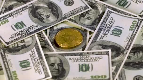 Bitcoin btc bit mince lež na stovkách Spojených států. Bit mince lež na Franklina tvář. Rotace. Těžba. Kryptoměn. Hospodářství. Kyberprostor. Pozadí