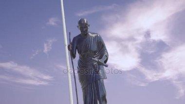 Avvaiyaar statue at Chennai.