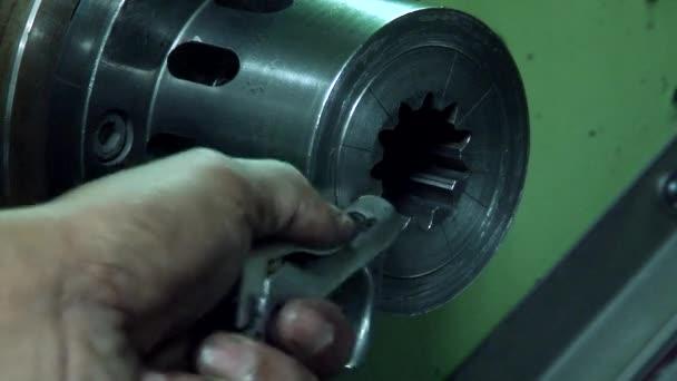 CNC marógép gyári fémrészleteket gyárt