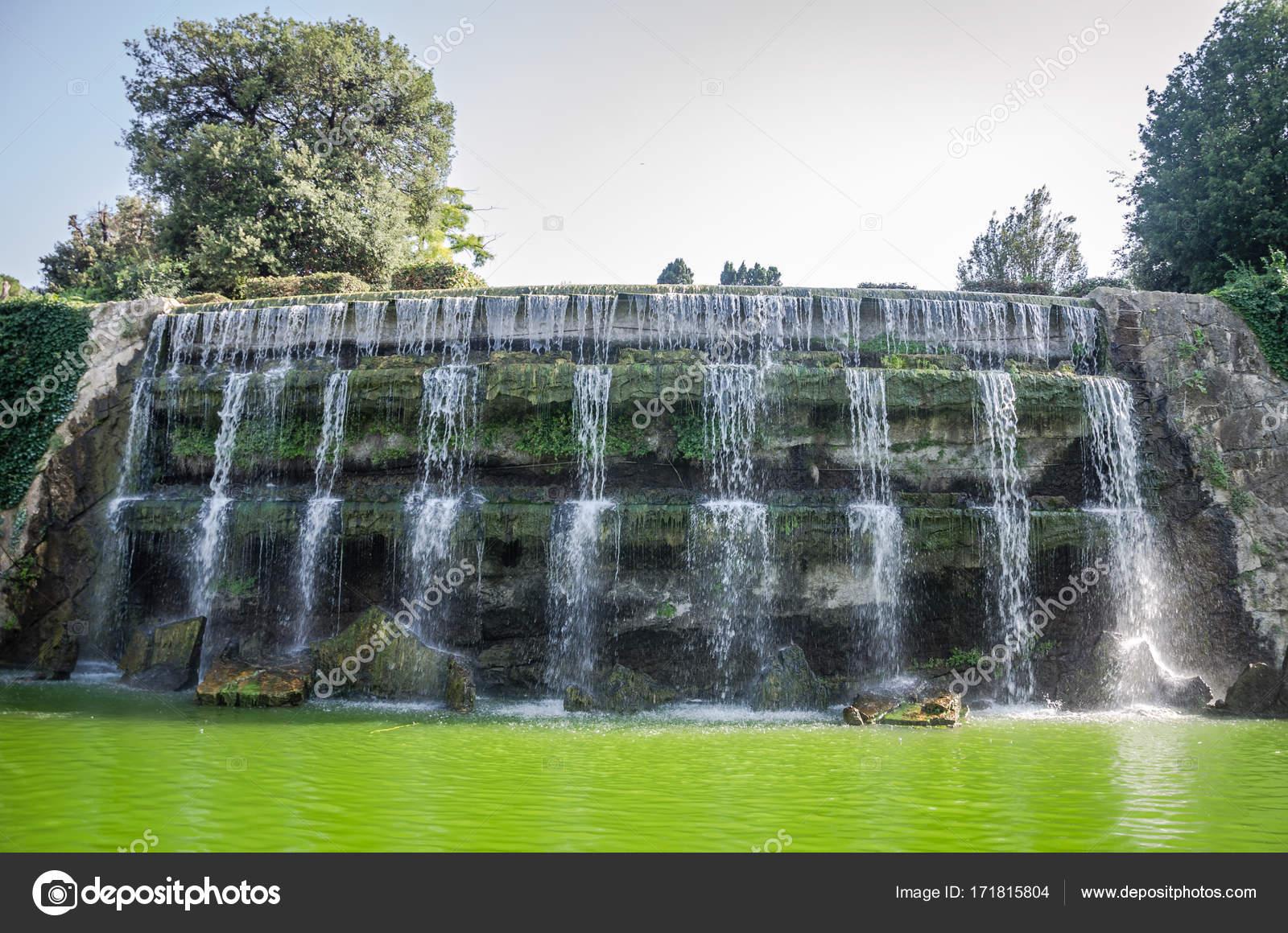 Fuentes de jardin cascadas estanques y fuentes u jardines for Fuentes jardin baratas