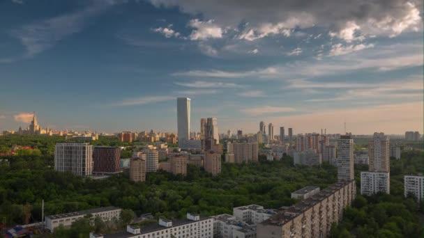 letní slunce moskevské panoráma Luxusní byt buidling střešní panorama 4 k čas zanikla Rusko