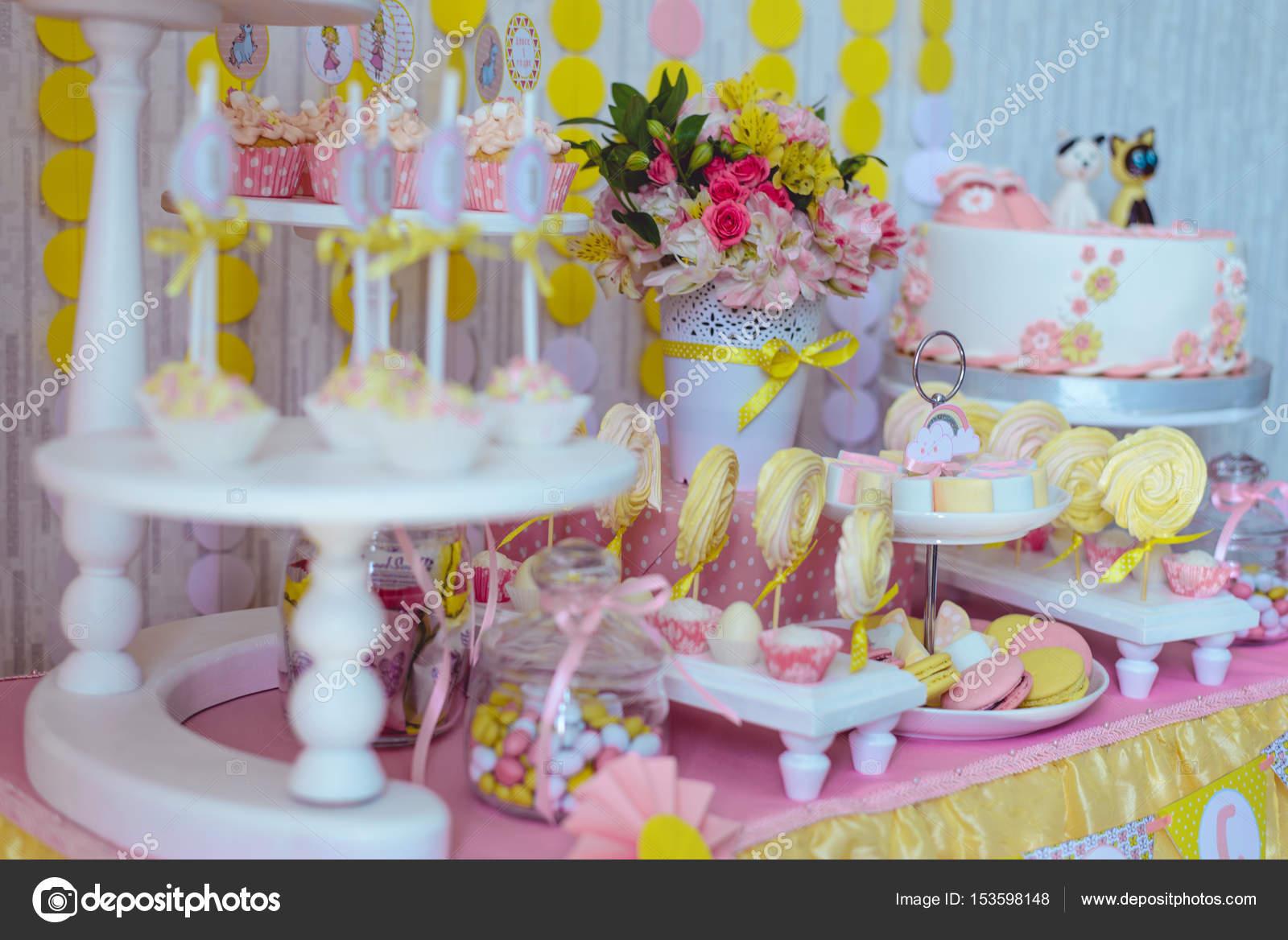 Barra Di Caramella Per Il Primo Compleanno Di Anno Foto Stock