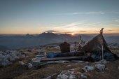 Photo man enjoying the sunset over Watzmann