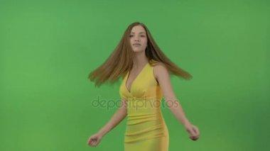 Красивые девушки грудь под блузкой видео