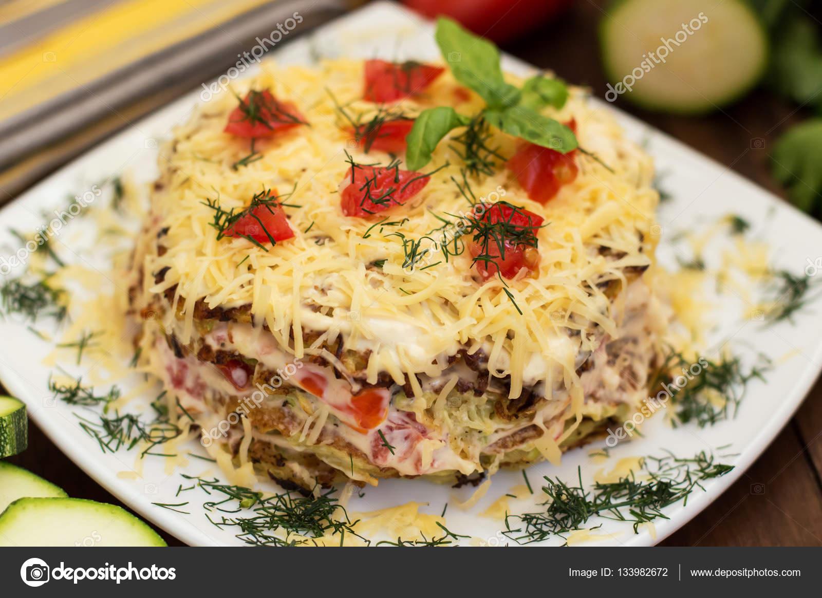 Domates ve peynir ile kızarmış kabak yemek ne kadar lezzetli