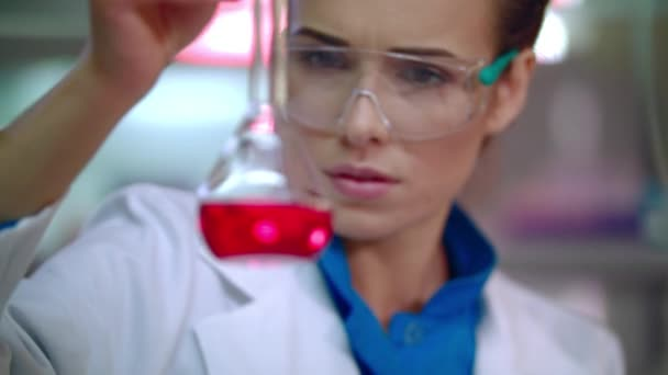 Medical scientist doing laboratory research. Pharmaceutical research