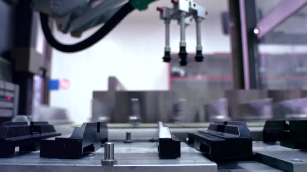 Výrobce dopravní pás. Prázdná automatické výrobní linky. Tovární výroba