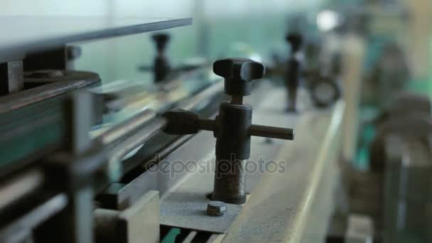Tovární výrobní linku. Výrobní továrna dopravní pás