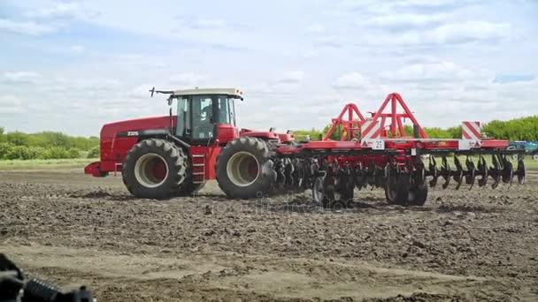 Zemědělské stroje. Zemědělské stroje pro práce související s pěstováním