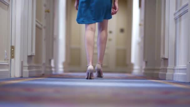 El En Caminando Tacón De Por Alto Zapatos Pies Pasillo Mujer Swv8q
