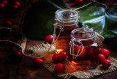 Fotografie Medicinal alcoholic tincture of hawthorn berries