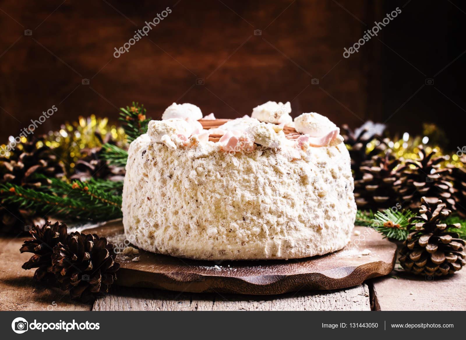 Das Geschlagene Eiweiss Kuchen Stockfoto C 5ph 131443050