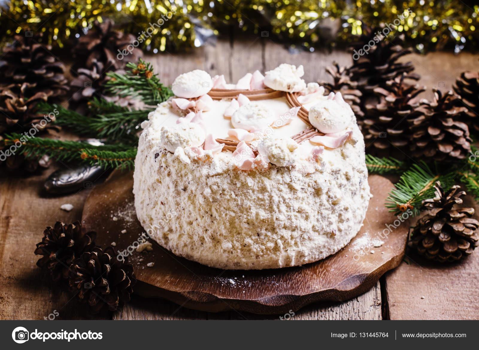 Das Geschlagene Eiweiss Kuchen Stockfoto C 5ph 131445764