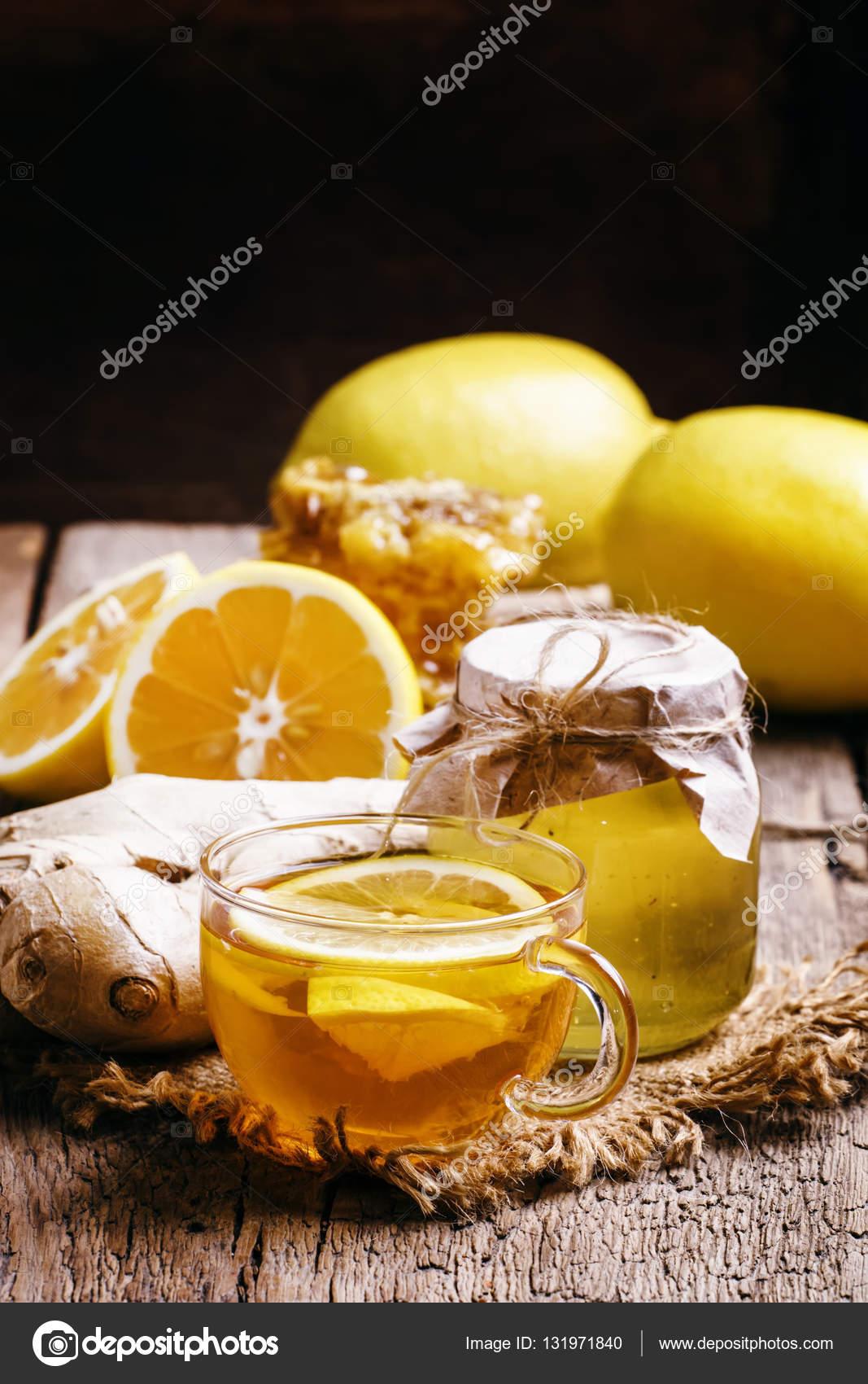 Schwarzer Tee Mit Honig Zitrone Und Ingwer Stockfoto 5ph 131971840