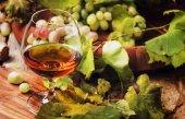 Konyakos üveg, szőlő, szőlő