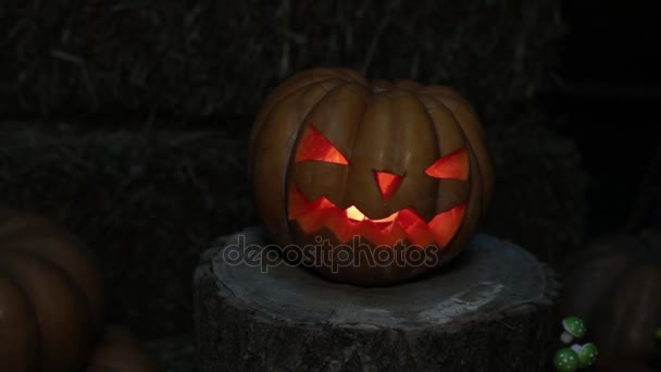 Halloween ünnep és Mindenszentek. Sütőtök Jack égő lámpa.