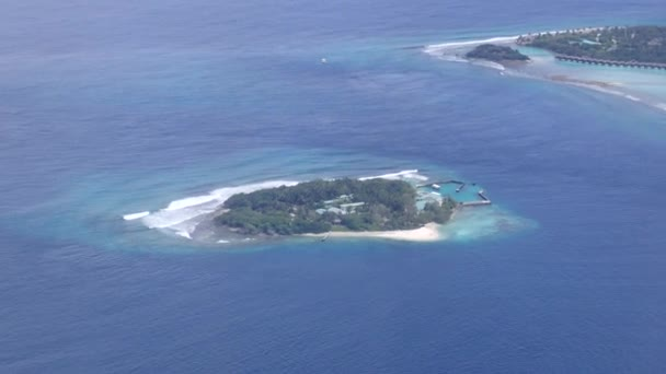 Legközelebb repül a trópusi homokos-szigetek, Indiai-óceán, Maldív-szigetek