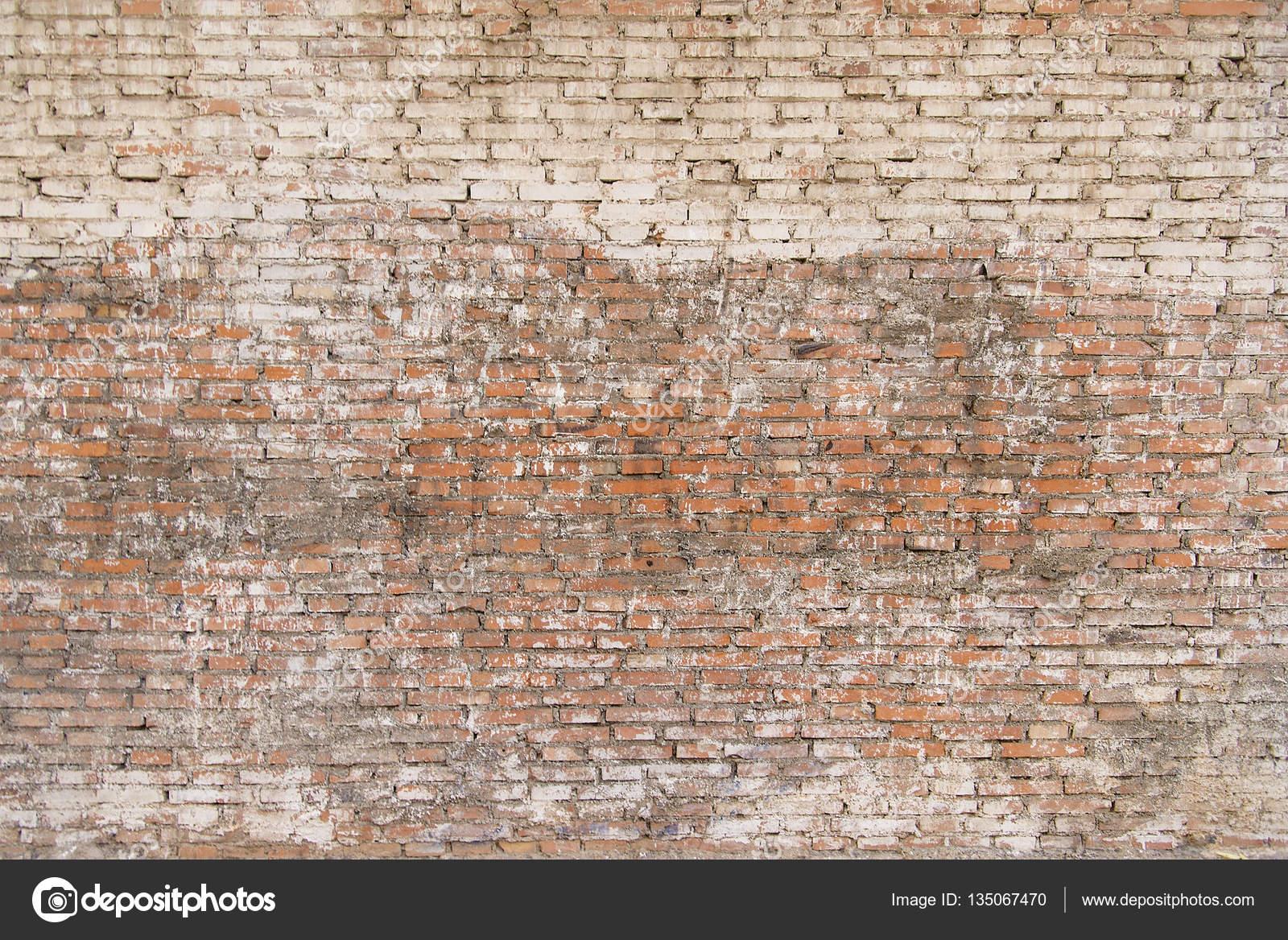 oude bakstenen muur met witte verf achtergrondstructuur — stockfoto