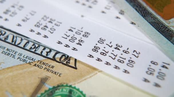 Makro posuvník záběry hotovostních příjmů a americké stodolarové bankovky
